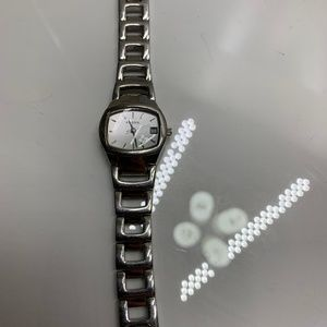 Fossil Women's Wristwatch Silver Color Stainless